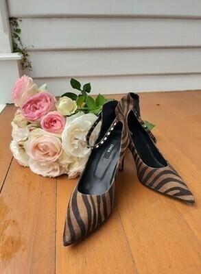 Zebra Heel