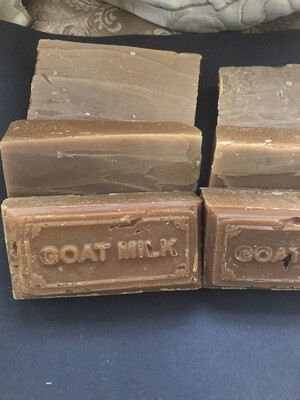 Goat milk soap with honey & oatmeal