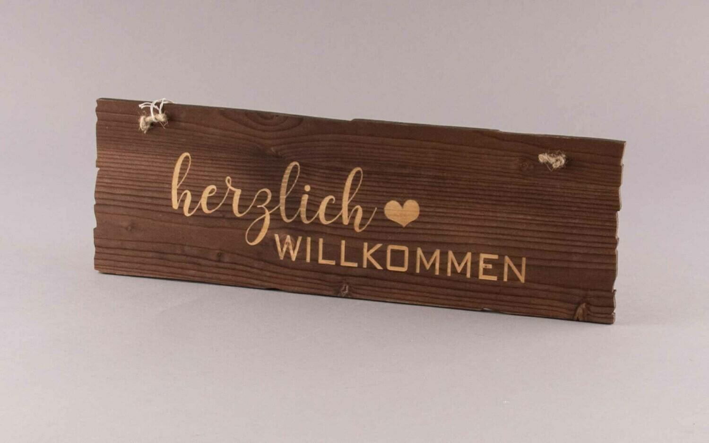 """Holzschild """"herzlich Willkommen"""""""