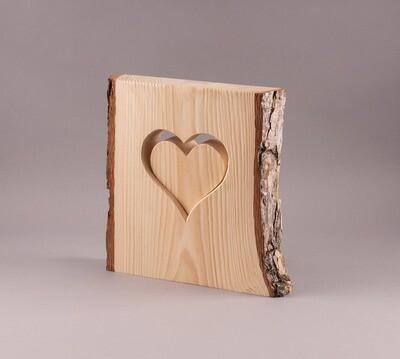 Lärchenholz mit Herz