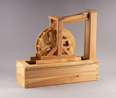 Holz-Wasserrad mit Pumpe