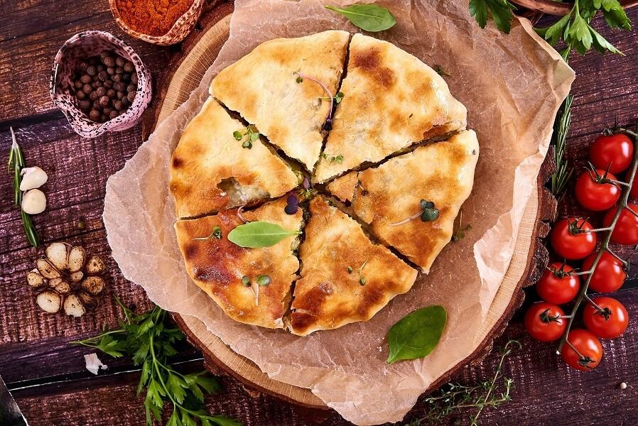 Пирог осетинский с сыром и шпинатом