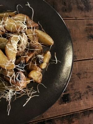 Жареный мини картофель с грибами