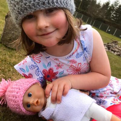 Dollie Girl & Mummy Hat Set