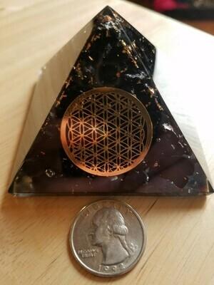 Shungite -Orgone Pyramid 70mm