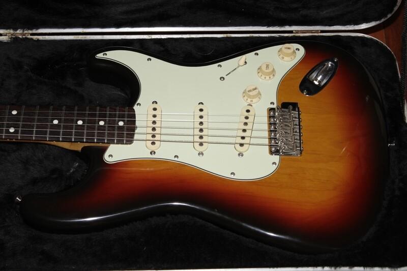 OL-Fender Stratocaster Guitar Sunburst w/ Hard Case