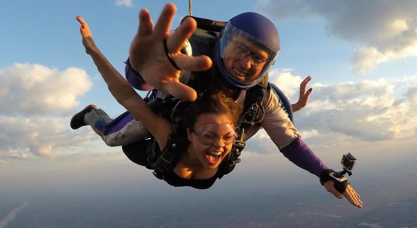 Salto de paraquedas Skydive