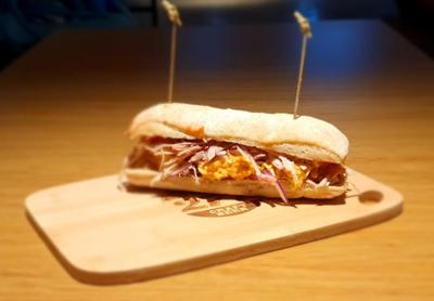 Sanduiche de Carne de Porco Defumado