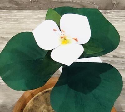 Trillium Plant Sculpture