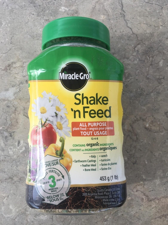 Miracle Gro - Shake N' Feed Plant Food