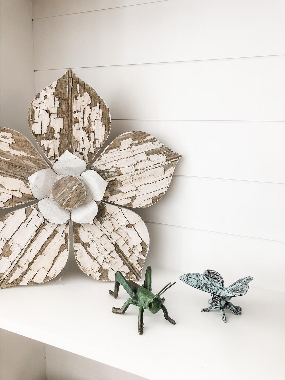 Chippy White Flower