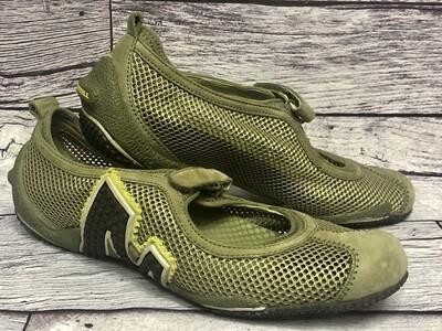 MERRELL Khaki Green Mesh Relay Tour Mary Jane Shoes size 6 1/2