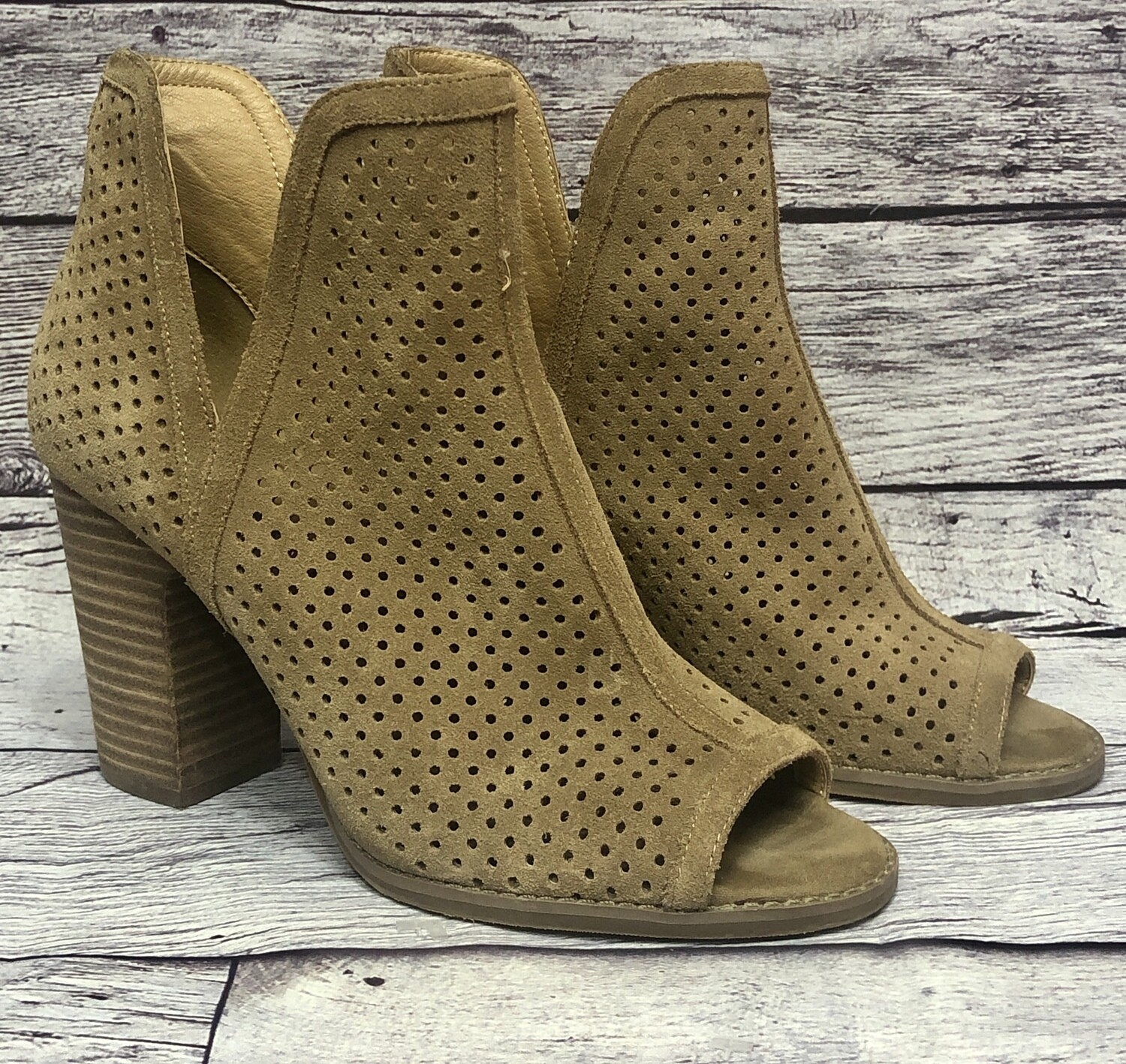 "LUCKY BRAND ""Larise"" Perforated Tan Suede Booties Shoes 9 1/2"