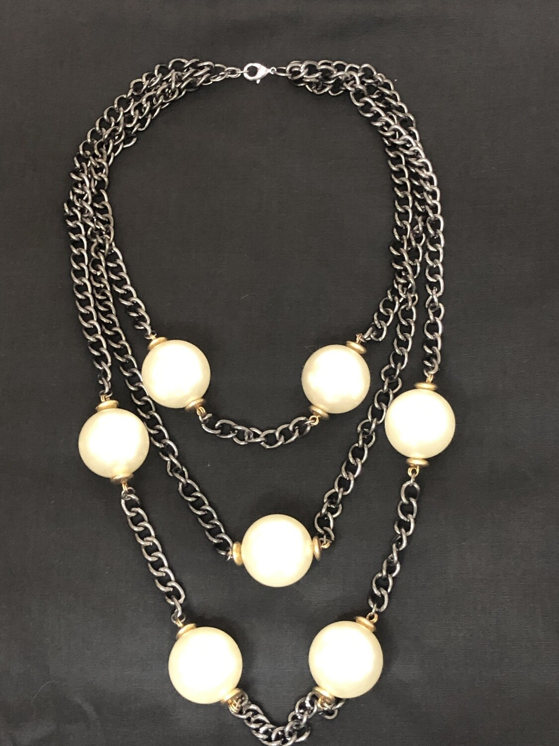 Smokey Silver Chain Link Extreme Pearl Necklace