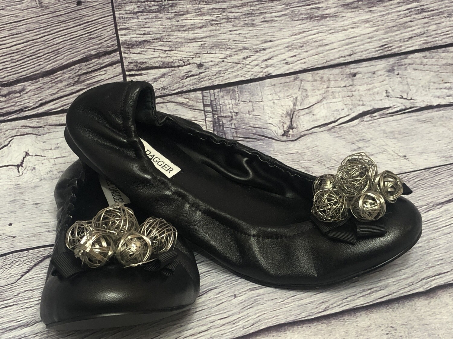 New KELSEY DAGGER Black Leather Wire Ball Accent Ballet Flats size 7