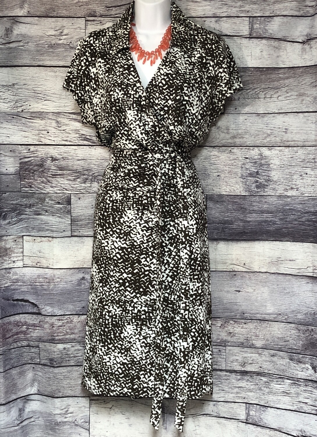 ANN TAYLOR Brown & White Print Wrap Dress size 16