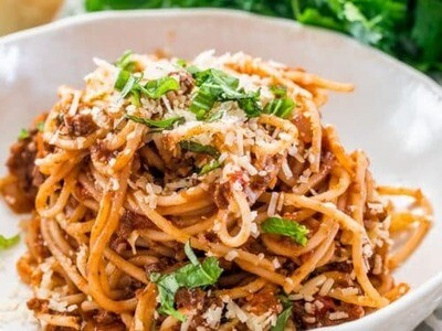 Fresh Spaghetti al Ragù Casa Italia