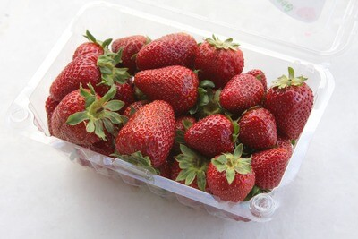 Strawberries (16 oz clam shell)
