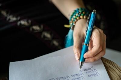 Pen 'OM Chanting'