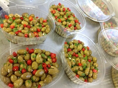 Frische Oliven Nocellara Etnea in Schale