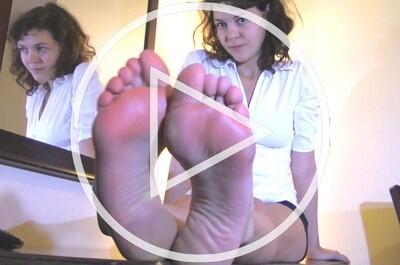 Nikki Legz (V)