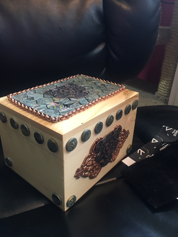 Mosaic Shield Box