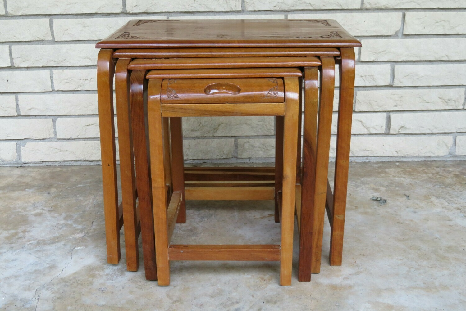 Nesting Table S/4