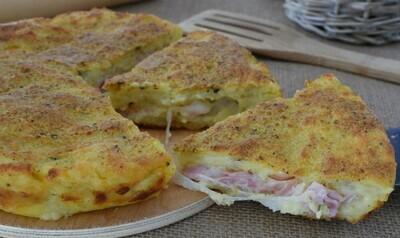 Torta di patate ripiena con cotto e mozzarella