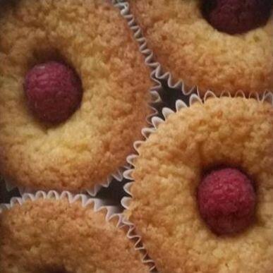 Raspberry & Almond Treat, x3