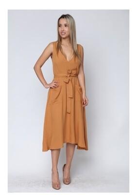Amber full-zip back sleeveless v-neck dress with front pockets 💛