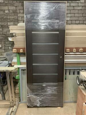 Межкомнатная дверь 01.27 дуб оскуро  750*2030 левая (образец)