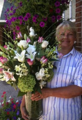 $225 Seasonal Vase Arrangement