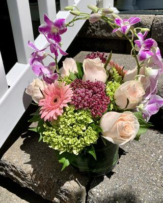 $95 Seasonal Vase Arrangement