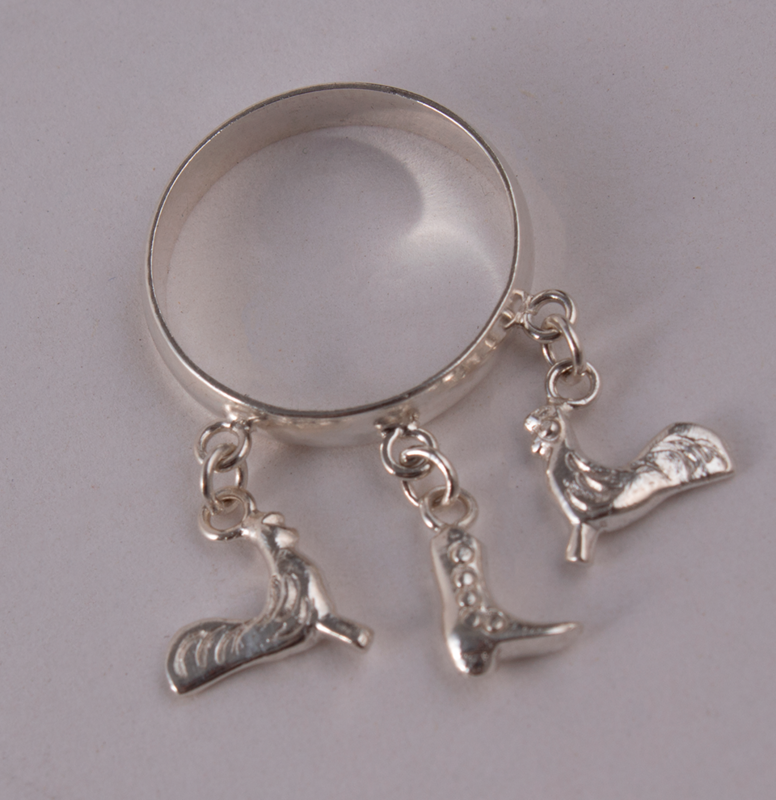Silver Ring Roosters & Boot