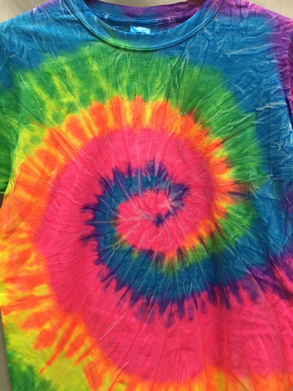 Classic Twist Rainbow - Tie Dye T-shirt - Size EXTRA LARGE