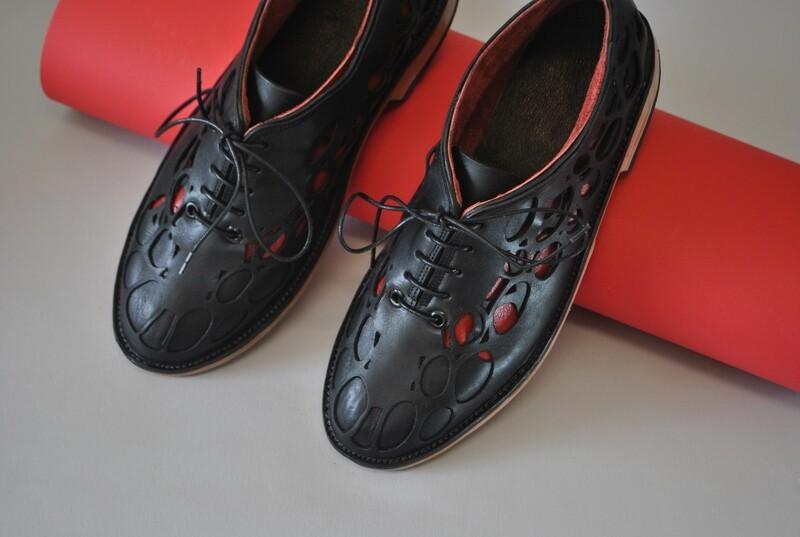 Natura shoes black