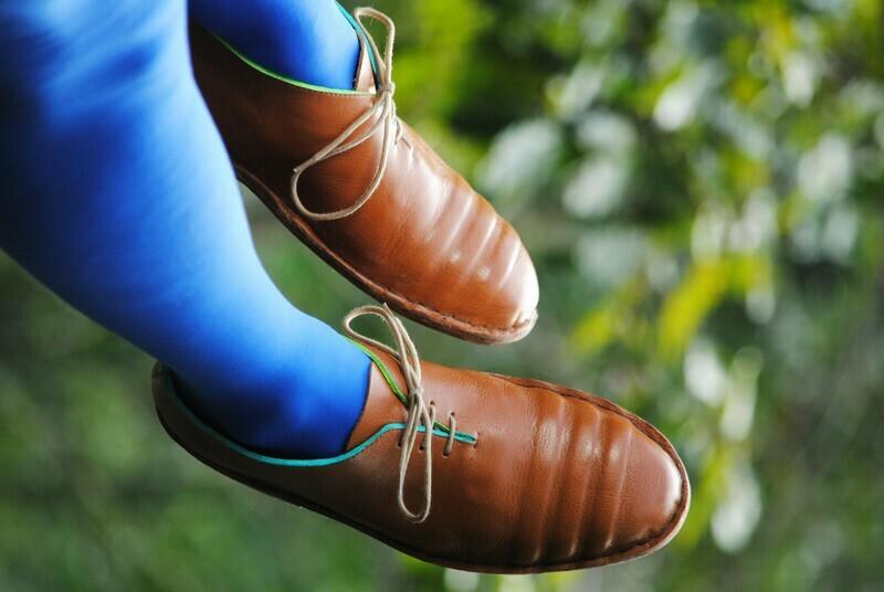 Lineas Shoes