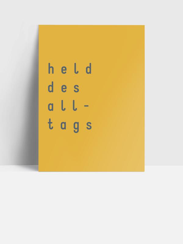 Postkarte HELD DES ALLTAGS