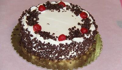 Black Forest Cake - Eggless