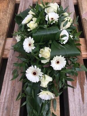 Legboeket met witte bloemen