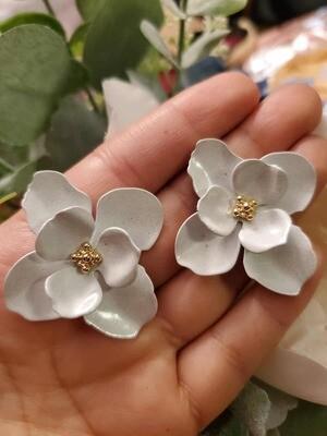 White Earrings Margarita with Gold