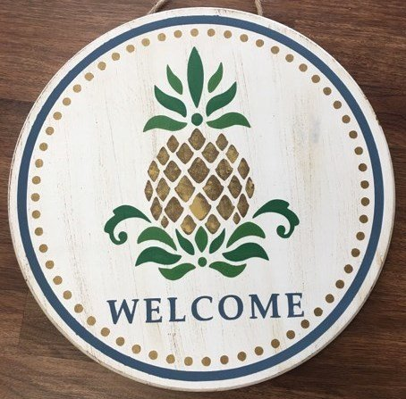 Round Pineapple Welcome