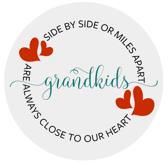 """Grandkids Close to Heart - 18"""" Rounds"""