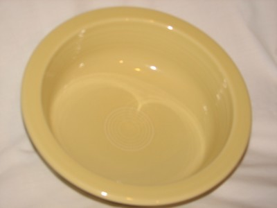 Fiestaware by Homer Laughlin Vintage Serving Bowl 40 oz, 8.25