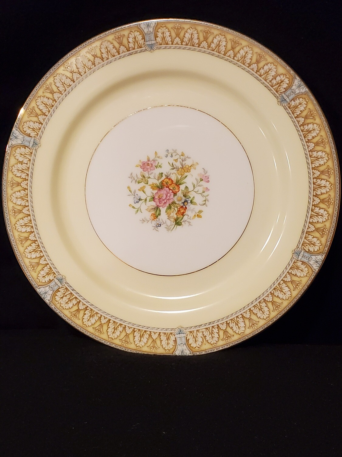 "Noritake, Dinner Plate 9 7/8"" W, Claire Pattern, Porcelain"