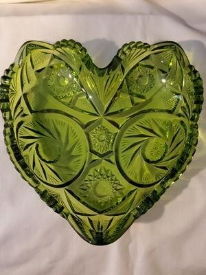 Fenton, Vintage Heart Shaped, Green Carnival Glass, 6 1/4
