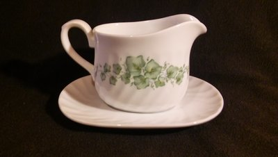 Corelle by Corning, Creamer & Underplate, Callaway Green Ivy Pattern