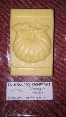 Pure Country Essentials Soap, Goats Milk, Honey & Vanilla Fragrance, Pumpkin Design