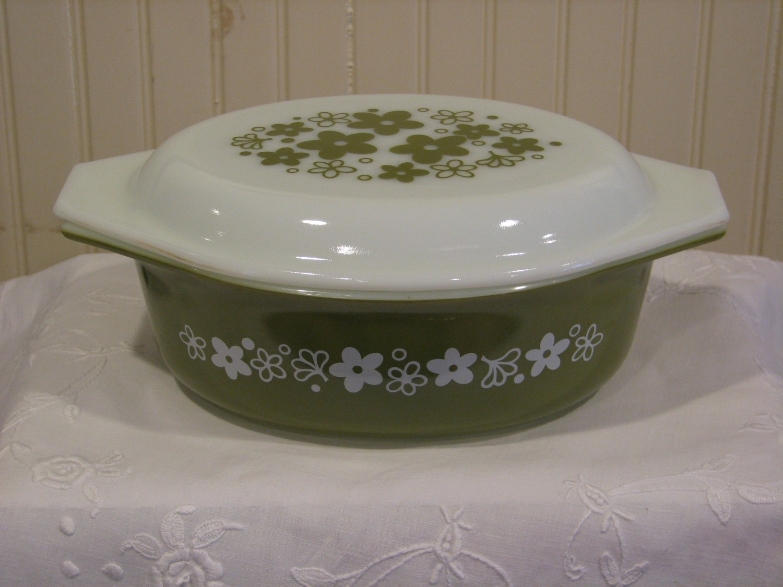 Pyrex 1.5qt Casserole, Verde Green Crazy Daisy Pattern, W/Lid #043