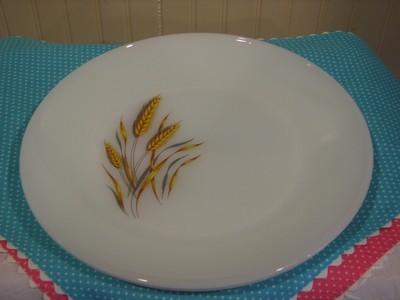 Vintage Fire King, 2 - Dinner Plates, Wheat Pattern, Milk Glass 10